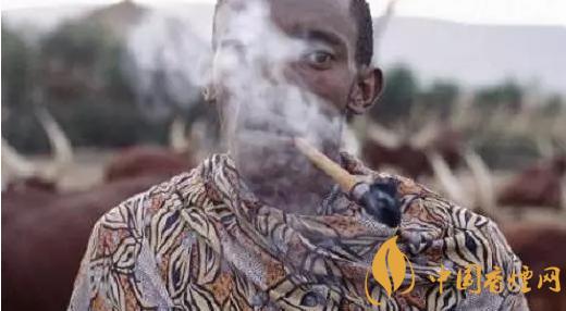 最早的烟是谁发明的 中国烟草的历史起源与发展