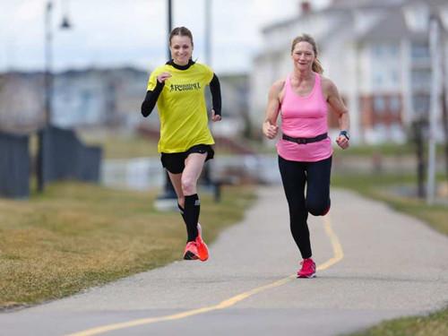 加拿大55岁女子跑步戒烟成功