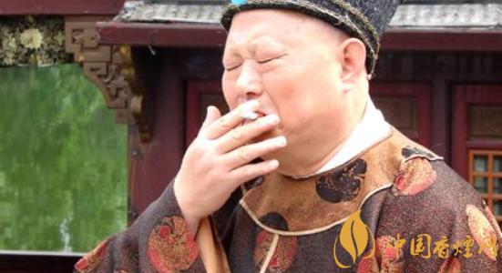 咀嚼烟草有什么好处 烟草对伤口有什么好处