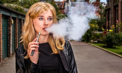 <strong>研究表明电子烟导致年轻人吸烟毫无根据</strong>