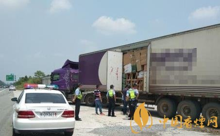 物流运输香烟属于违法 湖北一快递车辆在高速被查封