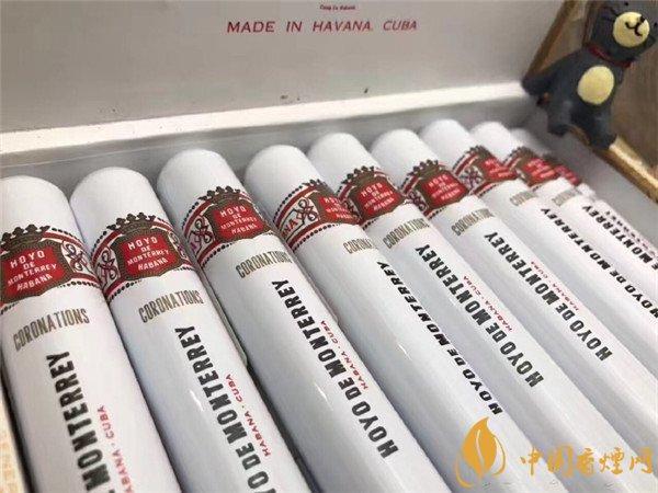 新人初尝古巴雪茄烟好友铝管 品味牛奶巧克力香