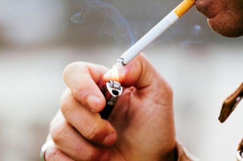 <b>亚洲吸烟引起的死亡人数继续增加</b>