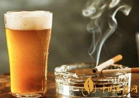 吸烟有什么好处 为什么烟酒不沾寿命更短?