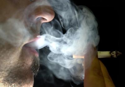 戒烟跟服药一样可以有效地解决抑郁和焦虑
