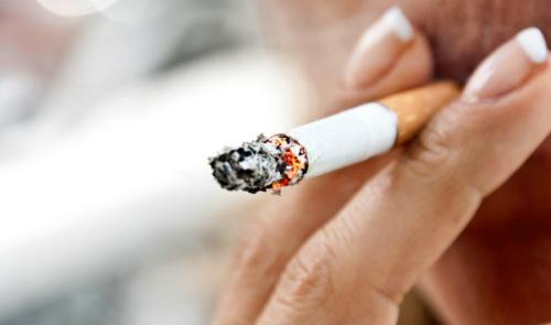 视频暴露了吸烟对肺部的可怕影响:在为时已晚前戒