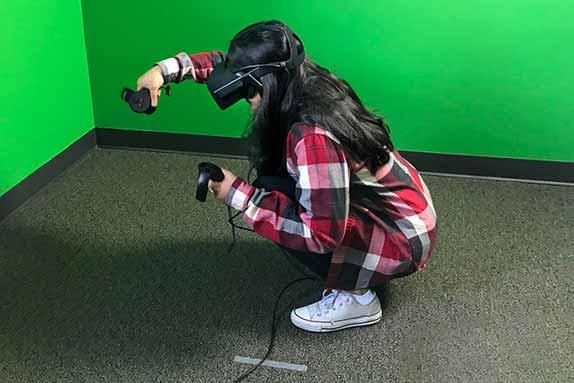 耶鲁大学用VR研究青少年电子烟问题