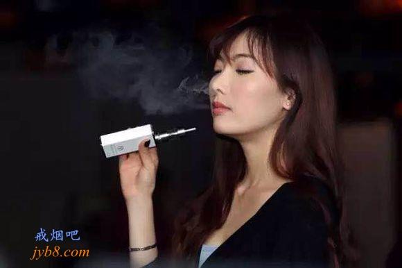 """需要更多的电子烟方面研究和监管来保护""""公众健康"""