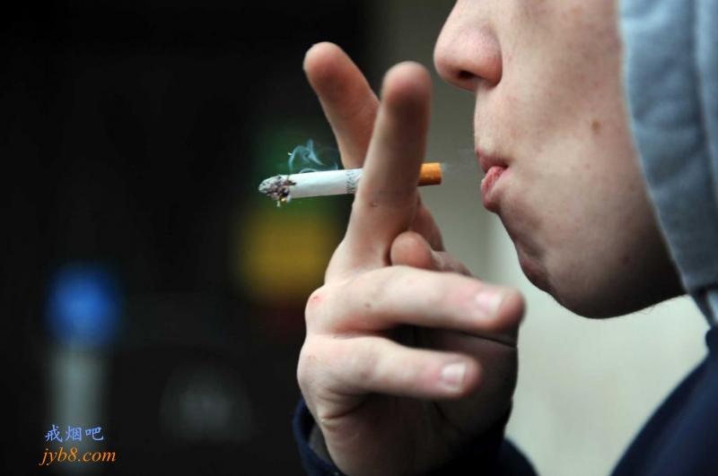 哈特福德将提高法定吸烟年龄到21岁